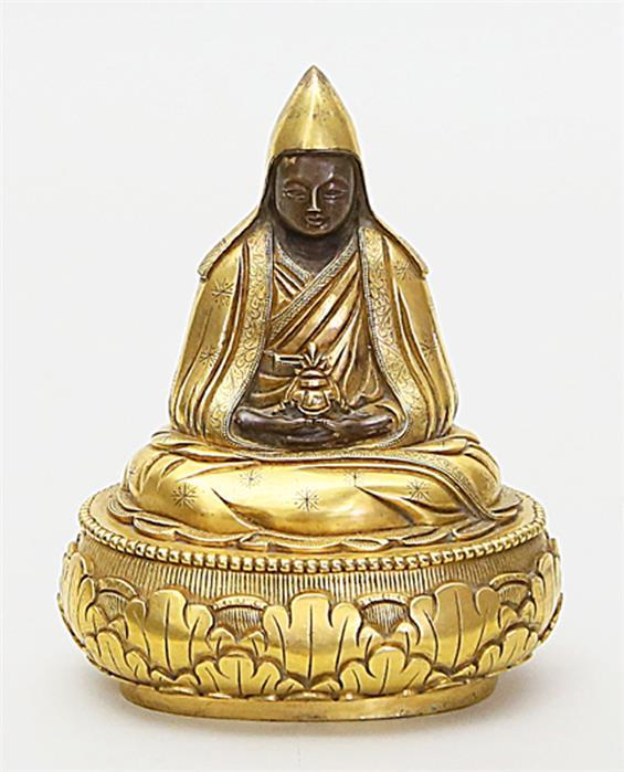 Skulptur des Tsongkhapa.